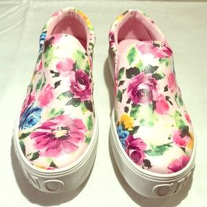Christian Siriano floral slip on happy shoes. 🌸